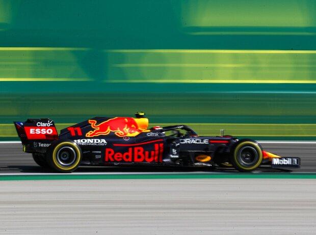 Sergio Perez (Red Bull RB16B) beim Formel-1-Rennen von Italien in Monza 2021