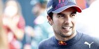 Sergio Perez lächelt im Interview mit dem Sportsender DAZN