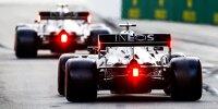Mercedes-Fahrer Lewis Hamilton 2020 in Sotschi ausgangs der Boxengasse in der Rückansicht mit dem W11