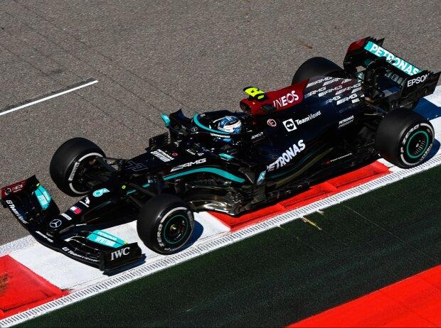 Valtteri Bottas (Mercedes) im Freitagstraining zum Grand Prix von Russland in Sotschi 2021