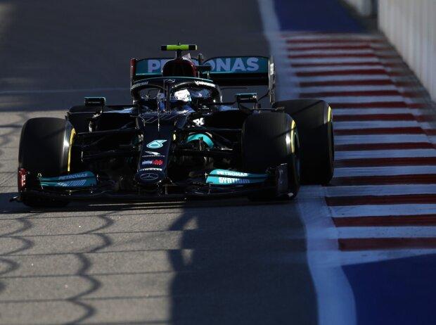 Valtteri Bottas im Mercedes W12 im Freien Training zum Grand Prix von Russland der Formel 1 2021 in Sotschi auf dem Sochi Autodrom