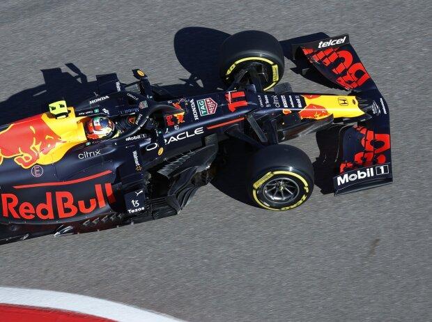 Sergio Perez im Red Bull RB16B beim Grand Prix von Russland 2021 in Sotschi