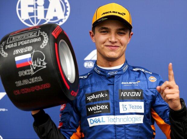 Lando Norris (McLaren) mit dem Pirelli-Poleposition-Award nach dem Qualifying zum Grand Prix von Russland in Sotschi 2021