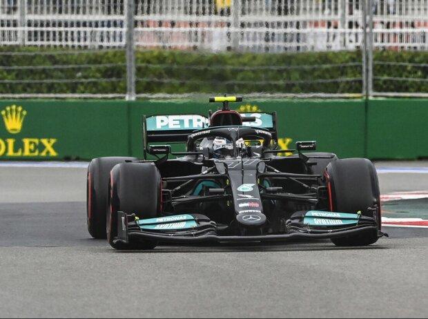 Valtteri Bottas (Mercedes W12) im Qualifying zum Formel-1-Rennen von Russland in Sotschi 2021