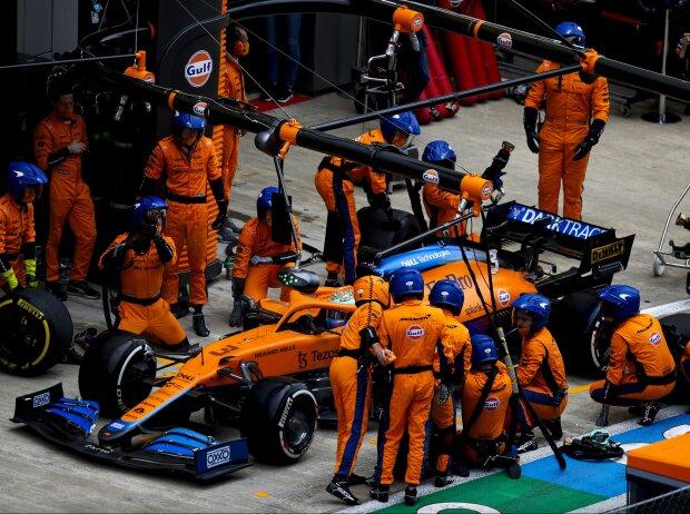 Der verpatzte Boxenstopp von Daniel Ricciardo (McLaren) beim Grand Prix von Russland in Sotschi 2021