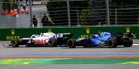 Nikita Masepin (Haas VF-21) vor Nicholas Latifi (Williams FW43B) beim Formel-1-Rennen von Russland in Sotschi 2021