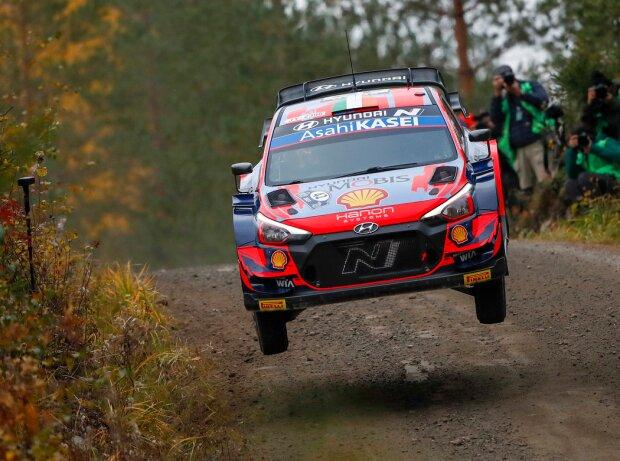 Craig Breen springt in seinem Hyundai an die Spitze der Rallye Finnland