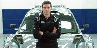 Craig Breen steht vor seinem Ford Puma für die WRC-Saison 2022