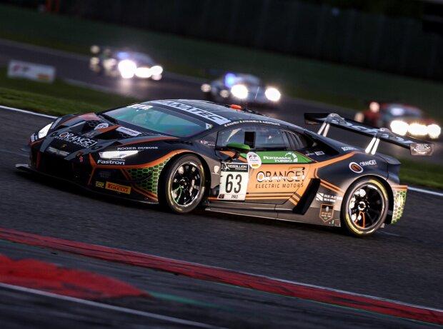 Andrea Caldarelli, Marco Mapelli und Mirko Bortolotti auf ihrem Lamborghini Huracan GT3 Evo bei den 24h Spa 2021