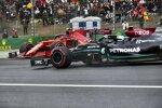 Valtteri Bottas (Mercedes) und Carlos Sainz (Ferrari)