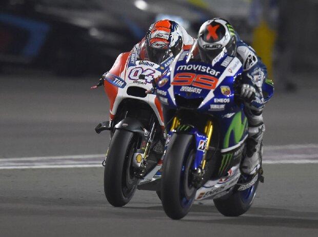 Jorge Lorenzo (Yamaha) und Andrea Dovizioso (Ducati) beim GP Katar 2015 in Losail
