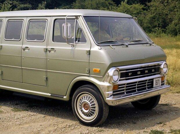 Ford Econoline Club Wagon