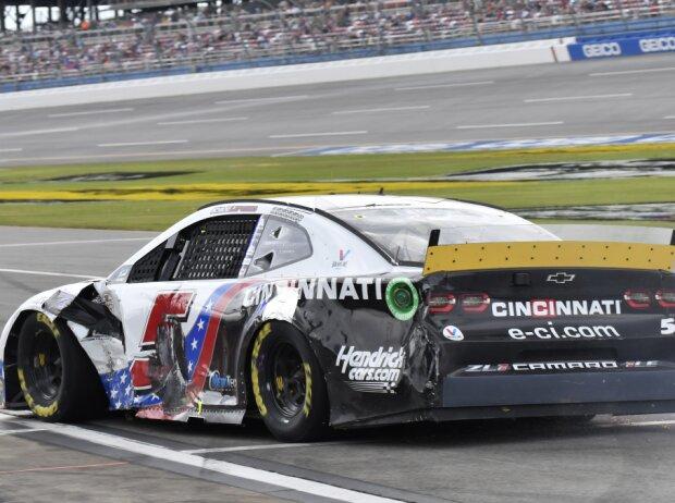 Kyle Larsons stark beschädigter Hendrick-Chevrolet nach Crash beim Playoff-Rennen in Talladega 2021