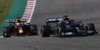 Lewis Hamilton (Mercedes W12) vor Max Verstappen (Red Bull RB16B) beim Formel-1-Rennen in Austin 2021