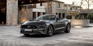 ford mustang cabrio 2018 im test bilder infos zu preis sound kofferraum. Black Bedroom Furniture Sets. Home Design Ideas