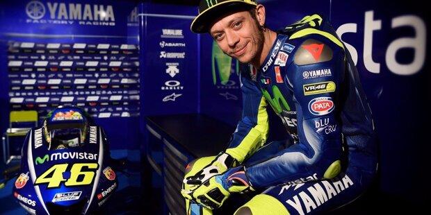 Valentino Rossi wurde am 16. Februar 1979 in Italien geboren. Mit 89 Siegen ist er der erfolgreichste Fahrer der Königsklasse. Insgesamt hat er 115 Rennen gewonnen und liegt in der ewigen Bestenliste hinter Giacomo Agostini (122) auf Platz zwei.