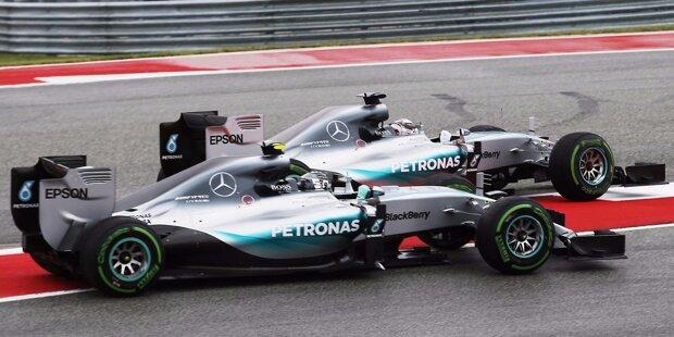 """Platz 10: """"Cap-gate"""" - Eigentlich soll das Rennen in Austin für Lewis Hamilton die Krönung seiner Saison sein. Der Brite fährt seinen zehnten Saisonsieg ein und krönt sich damit bereits drei Rennen vor Schluss zum dritten Mal zum Weltmeister. Doch im Rennen in den USA sorgt Hamilton gleich für zwei Aufreger, die seinen Triumph überschatten: Zunächst drückt er seinen Teamkollegen Nico Rosberg in der ersten Kurve nach dem Start extrem weit raus - was bei dem und dem ganzen Mercedes-Team nicht gut ankommt."""