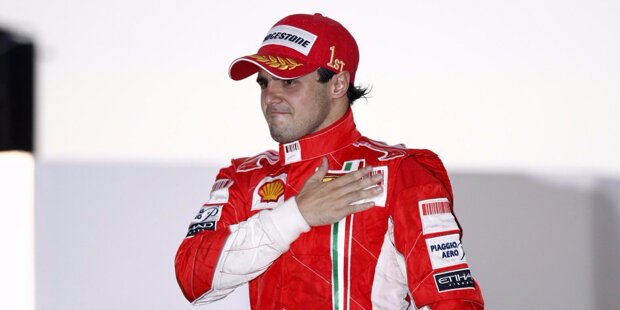 Platz 10: Juan-Pablo Montoyas Zeit in der Formel 1 ist begrenzt - aber spektakulär! Zwischen 2001 und 2004 liefert sich der Kolumbianer in Diensten von Williams tolle Duelle mit Michael Schumacher und Co. Der Ferrari-Übermacht ist er damals allerdings ebenso wenig gewachsen wie der Rest des Feldes. Auch 2005 und 2006 springt in anderthalb Saisons mit McLaren kein Titel heraus. Gesamtbilanz: Sieben Siege, zweimal WM-Dritter.