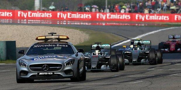 """0,042 Sekunden fehlen in Schanghai auf die Pole: """"Come on, guys"""", flucht Nico Rosberg - weil er eine falsche Zeit von Lewis Hamilton im Kopf hat und sich für ein paar Augenblicke vorne wähnt. Am Ende reicht's wieder nicht. 0:3 im Qualifying-Duell 2015."""