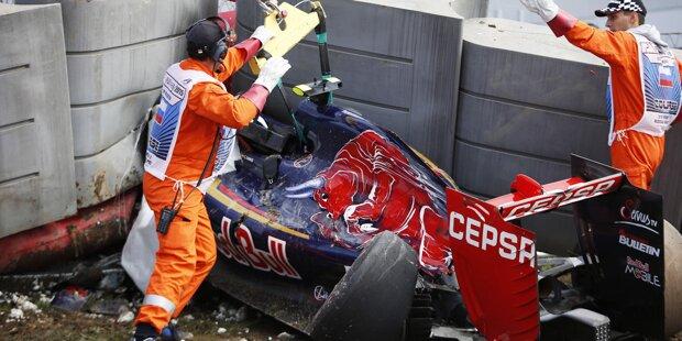 Das Auto ist Schrott: Heftiger Unfall von Carlos Sainz beim Freien Training in Sotschi. Der Spanier fliegt in Kurve 13 (am Ende der DRS-Geraden!) mit rund 300 km/h in die Barriere.