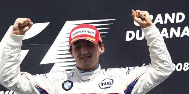"""Karl Wendlinger (25 Grands Prix und elf WM-Punkte im Zeitraum 1993 bis 1995): """"Gleich in unserem ersten Jahr in der Formel 1 erlebte ich meinen großen Sauber Moment - im vierten Saisonrennen in Imola. Die Aufregung begann, als ich in der Startaufstellung hinter Alain (Prost), Damon (Hill), Michael (Schumacher) und Ayrton (Senna) auf dem doch überraschenden fünften Platz stand. Wegen des Regens starteten wir mit viel Flügel und ich konnte mit 'Schumi' und Gerhard (Berger) mithalten. Das war ein toller Kampf, der mir heute noch gut in Erinnerung ist. Weil der Regen kurz nach dem Start aufhörte, wechselten wir bald auf Trockenreifen und fuhren auf der Geraden mit zu viel Flügel und zu wenig Speed. Beim Überrunden kam 'Schumi' an Aguri (Suzuki) vorbei, ich nicht. Etwa zehn Runden vor Schluss war ich Vierter, als mich ein Defekt am Motor stoppte. Dennoch, oder gerade deshalb, werde ich diese Zweikämpfe und dieses Rennen nie vergessen. Herzliche Gratulation und viel Glück!"""""""