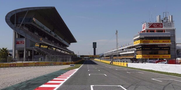 """Willkommen in Europa! Nach vier Überseerennen kommt die Formel 1 nach Barcelona zum traditionellen Frühlingsauftakt. Die meisten Teams haben neue Teile im Gepäck und es kehrt """"Normalität"""" ein. Gewöhnlich kann man auf dieser Strecke die Hackordnung im Feld genau erkennen."""