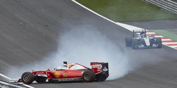 Lewis Hamilton gewinnt 2016 endlich den Grand Prix von Österreich, wird auf dem Podium aber gnadenlos ausgebuht. Im Gegensatz zu 2001 (Schumacher vor Barrichello) ist diesmal keine Stallorder daran schuld. Vielmehr nehmen ihm die Fans die Kollision mit Teamkollege Nico Rosberg in der letzten Runde übel.