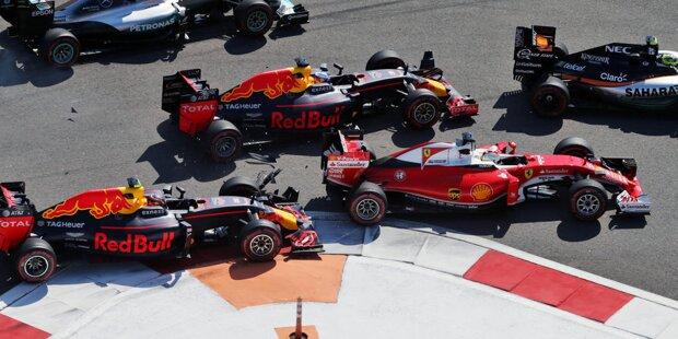 Sebastian Vettel versus Daniil Kwjat, die Zweite: Als am Start zum Russland-Grand-Prix in Sotschi beide Piloten aus Reihe vier losfuhren, war der wegen eines Getriebewechsels rückversetzte Deutsche (hier in Fahrtrichtung ganz rechts im zweiten Ferrari) zunächst klar vorne.