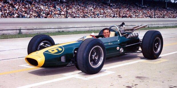 Alberto Ascari (zweimaliger Formel-1-Weltmeister): 1952 ist das Indy 500 noch Teil der Formel-1-Weltmeisterschaft und Ascari tritt mit einem modifizierten Ferrari an. Die Räder machen aber Probleme in den Kurven, nach 40 Runden scheidet Ascari aus.