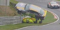 Porsche-BMW-Unfall bei VLN 8