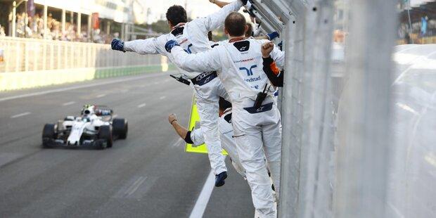 Verrückter geht's nicht: Daniel Ricciardo (P17 nach Bremsen-Reparaturstopp) gewinnt das Rennen in Baku vor Valtteri Bottas (nach Kollision mit Kimi Räikkönen schon überrundet) und Lance Stroll (laut Jacques Villeneuve schlechtester Rookie aller Zeiten)! Der Grand Prix von Aserbaidschan 2017 ist der Formel-1-Kracher des Jahres.
