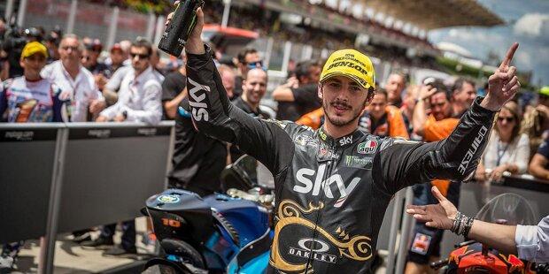 Francesco Bagnaia wird am 14. Januar 1997 in Turin geboren. Er entdeckt seine Leidenschaft für zwei Räder früh: Im Alter von zwölf Jahren wird er europäischer MiniGP-Champion. Über die spanische Moto3-Klasse kommt er in die WM.