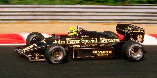 Es war Colin Chapman, der Lotus gegründet und groß gemacht hat. Seine Fahrzeuge haben die Formel 1 im Sturm erobert und seine innovativen Designideen waren gleich mehrfach Wegbereiter neuer Epochen. Hier zeigen wir einige der schönsten und erfolgreichsten Lotus-Modelle in der Formel 1!