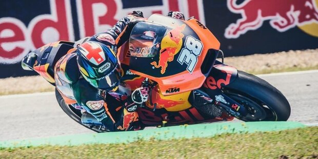 Valencia 2016: Mika Kallio debütiert die RC16 beim Saisonfinale in Valencia. Wegen eines technischen Problems sieht KTM die Zielflagge beim Debüt in der Königsklasse nicht.