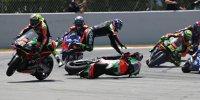 Aprilia-Crash in Barcelona: Bradley Smith schießt Aleix Espargaro ab