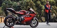 Lewis Hamilton und sein Motorrad von MV Agusta