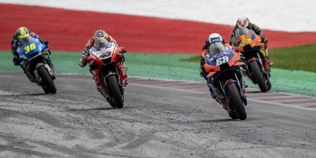 Miguel Angelo Falcao de Oliveira wird am 4. Januar 1995 in Almada in Portugal geboren. In seiner Heimat zählt er zu den großen Sportstars, weil er in der Motorrad-WM für sein Land Geschichte geschrieben hat. Seine Karriere ist eng mit KTM verbunden.