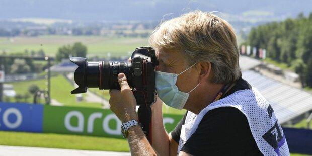 Fast nichts ist, wie es vor dem Beginn der Coronakrise war. Unsere Fotostrecke zeigt Impressionen aus dem Formel-1-Fahrerlager in Spielberg und wie die Beteiligten vor Ort mit den neuen Gegebenheiten, den Ver- und Geboten sowie der neuen Realität umgehen!