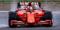 Charles Leclerc im Ferrari-F1-Dreisitzer