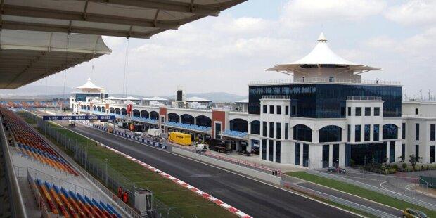 Der Große Preis der Türkei steht vor einer Rückkehr in den Formel-1-Kalender. Bereits von 2005 bis 2011 war die Königsklasse auf dem Istanbul Circuit nahe der Metropole zu Gast. Die Fans haben die Strecke von Hermann Tilke dabei in bester Erinnerung.