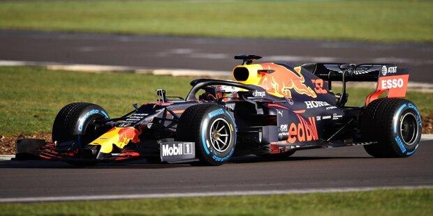 Der Red-Bull-Honda RB16 bestand am 12. Februar 2020 seine Feuertaufe: Max Verstappen drehte in Silverstone die ersten Runden mit dem Neuwagen. Hier sind die Fotos!