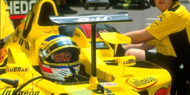 1974: Um vorne mehr Abtrieb zu generieren, führt McLaren in Monaco eine neue Nase ein, die deutlich spitzer zuläuft. Die blauen Linien zeigen die eigentliche Größe der Nase. Weil die Nase schmaler ist, kann man die Flügelelemente vergrößern. Die gelb markierten Elemente geben dem Fahrer einen optischen Anhaltspunkt, wo der Flügel endet.