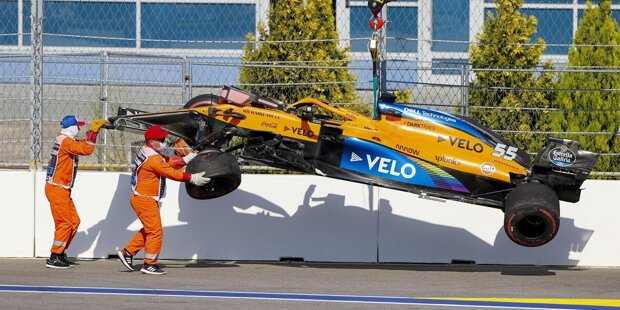 Carlos Sainz (6): Die 6 ziehen wir wirklich nur in einem Extremfall. Was der Spanier gestern in Kurve 2 veranstaltet hat, das war aber genau so etwas. Ja, die Kurve ist generell Mist und hat nichts im Formel-1-Kalender zu suchen. Das ist aber kein Grund, dort mit Vollgas in die Mauer zu brettern ...