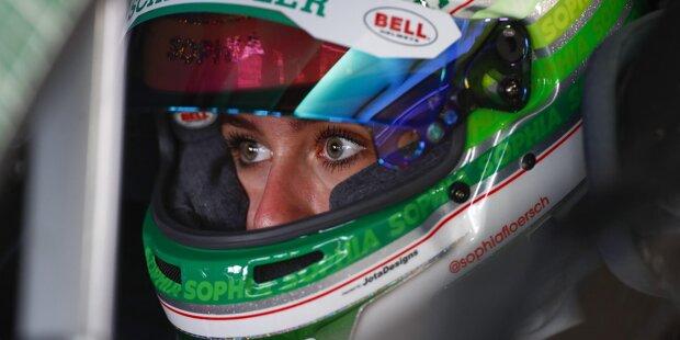 Das DTM-Starterfeld 2021 für die erste Saison als GT3-Serie besticht mit neuen Gesichtern und alten Bekannten: 19 Piloten und eine Pilotin - mit ihren Startnummer, Teams und Boliden zum Durchklicken!