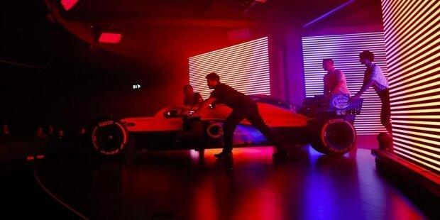 Vorhang auf für die neuen Formel-1-Autos für die Saison 2021! In dieser Fotostrecke zeigen wir alle Neuwagen nach ihrer jeweiligen Vorstellung durch die einzelnen Teams!