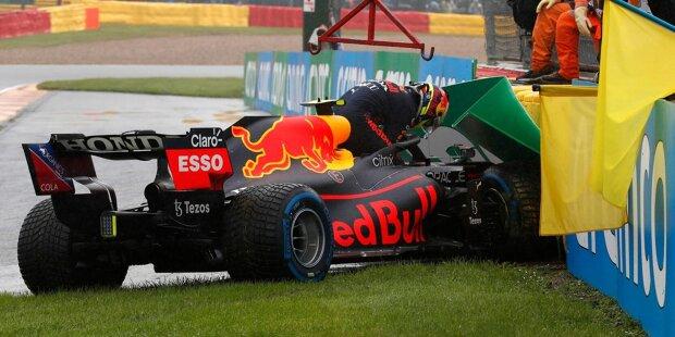 Sergio Perez (5): Das war nichts für Perez in Spa. Nicht nur, dass ihm Verstappen mal wieder deutlich überlegen war (2,3 Sekunden im Qualifying!), sein Abflug bei der Fahrt in die Startaufstellung hat Red Bull Punkte gekostet. Kann passieren im Nassen, aber darf nicht - nicht jemandem mit so viel Erfahrung!