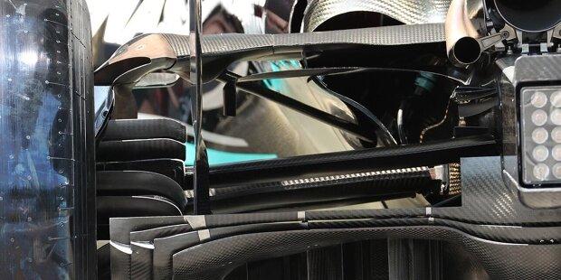 Mercedes W12: Markierungspunkte für FIA-Messungen am Heckflügel
