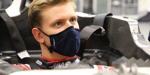 Sitzanpassung von Mick Schumacher bei Haas
