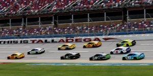 NASCAR in Talladega: Joey Logano im Training vorn
