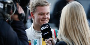 Formel-1-Premiere: Mick Schumacher als Mercedes-Boxengast